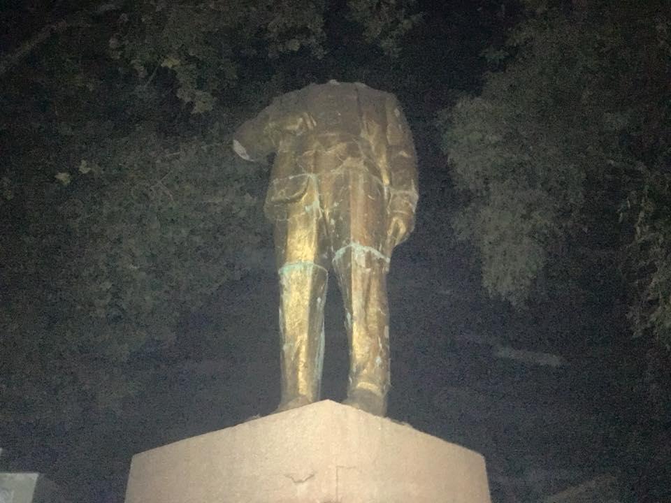 ВОдеській області обезголовили останнього Леніна вУкраїні