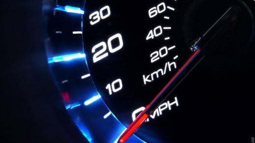 ВУкраїні вирішили знизити швидкість автомобілів перед «зебрами»
