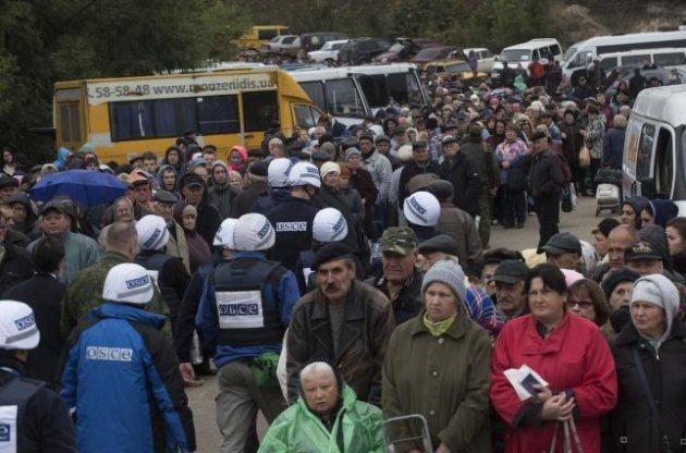 бойовики не випускають мирних жителів з окупованого луганська