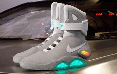 5e31bfe6 Nike выпустил легендарные кроссовки из фильма «Назад в будущее ...