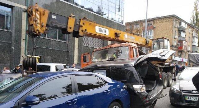 кран побив 17 машин