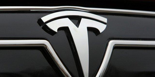 логотип тесла