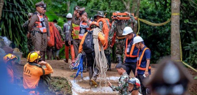 у таїланді врятували майже всіх дітей