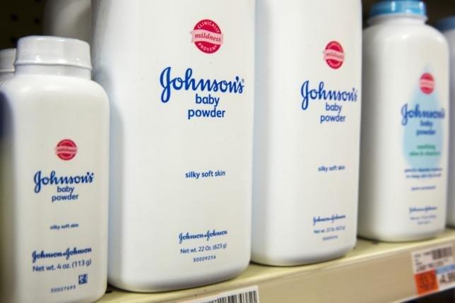 компанія johnson&johnson повинна заплатити $4,7 млрд жінкам, хворим на рак