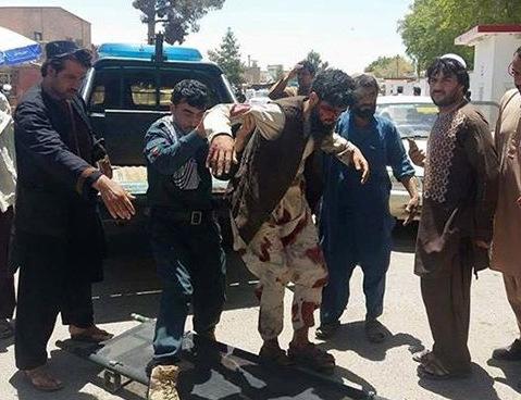ВАфганістані прогримів потужний вибух біля банку: десятки загиблих і поранених