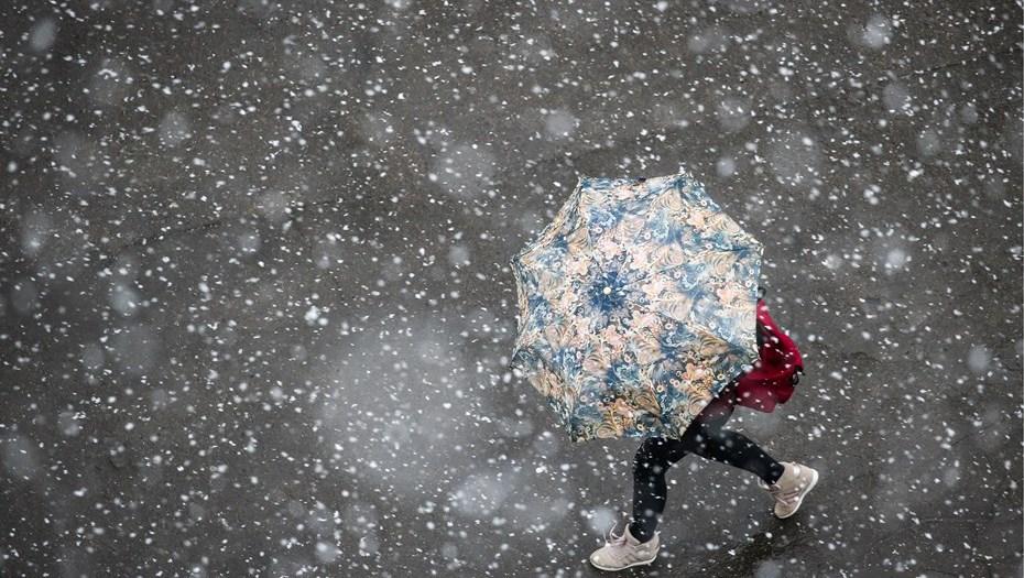 УМоскві і Санкт-Петербурзі випав сніг (ВІДЕО)